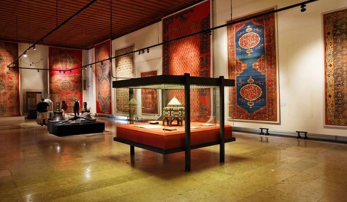 موزه ی فرش تهران