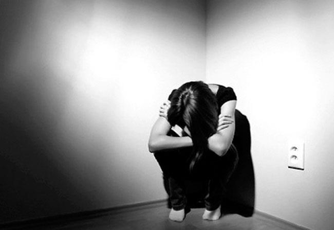 تاثیر مشکلات بر روی دختر خانواده