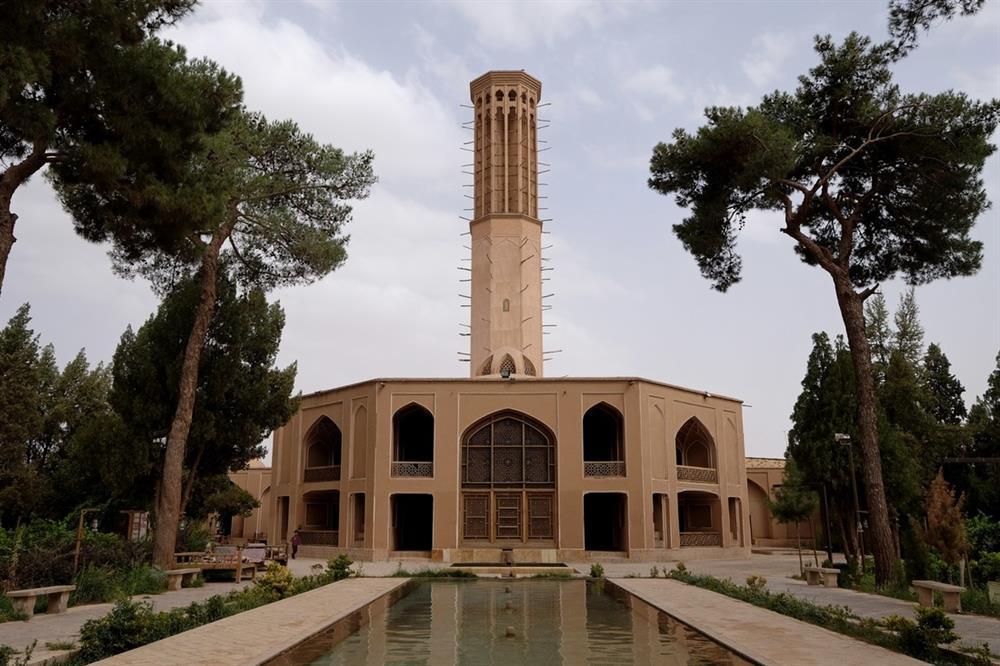 باغ دولت آباد عمارت هشتی