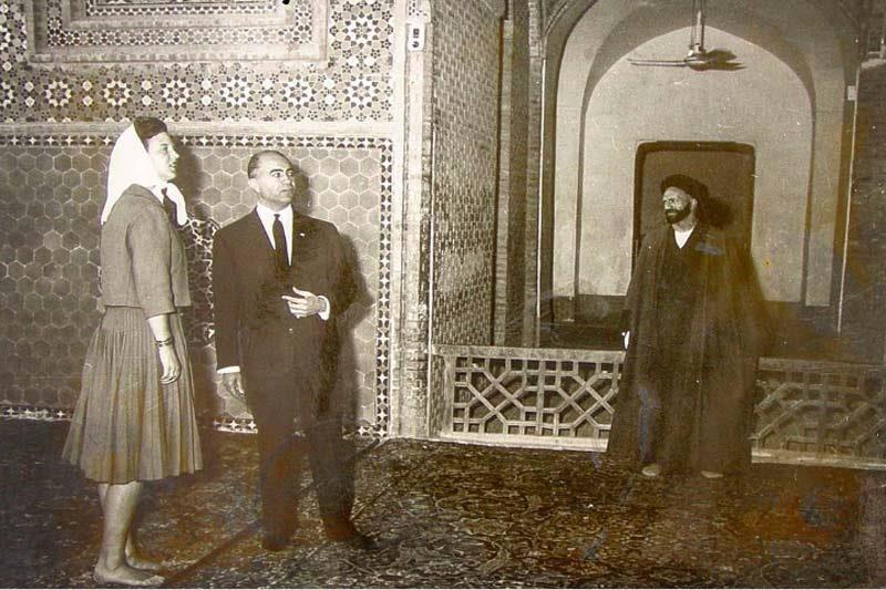بازدید ملکه دانمارک از مسجد جامع یزد