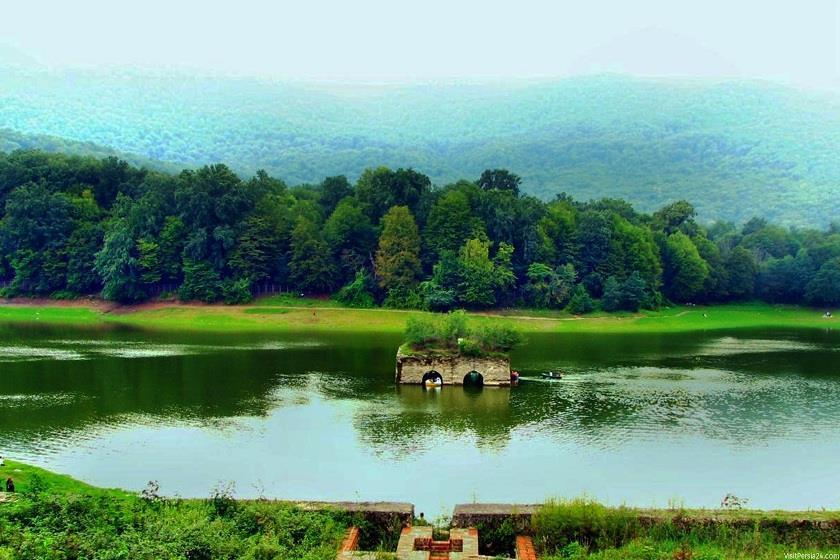 تصویری زیبا از دریاچه بهشت یا هون