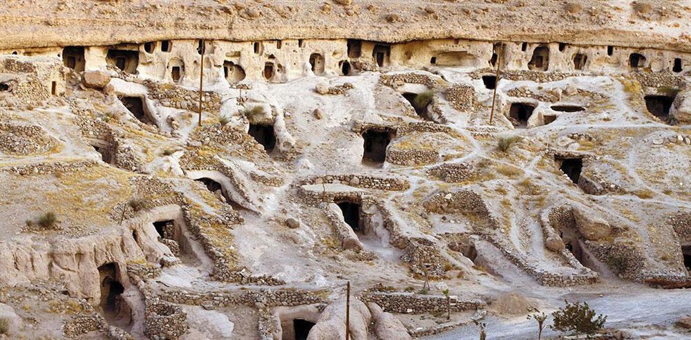 روستای زیر زمینی دستکند میمند کرمان