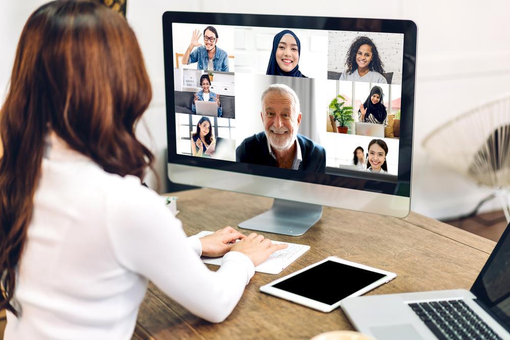 ارتباط برقرار کردن با همکاران در زمان دورکاری