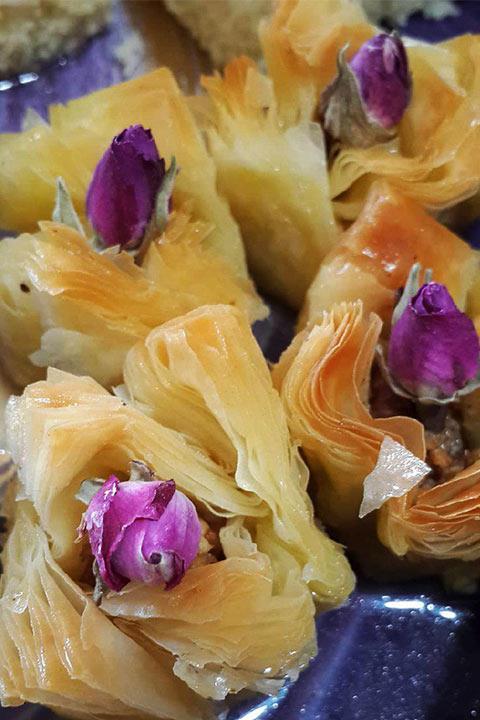 باقلوای یاس از سوغات گیلان